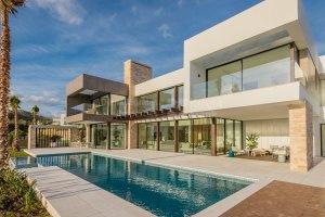 New modern family home
