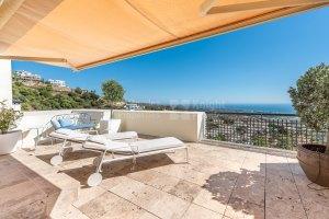 Duplex penthouse in Los Monteros Hill Club