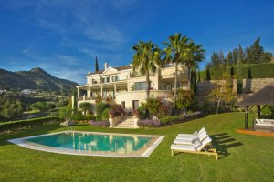Outstanding Villa Within Golf Setting