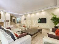 Villa for sale in Altos de Puente Romano, Marbella Golden Mile
