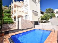 Apartment for sale in Puerto del Almendro, Benahavis