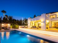 Villa for rent in Los Naranjos Golf, Nueva Andalucia