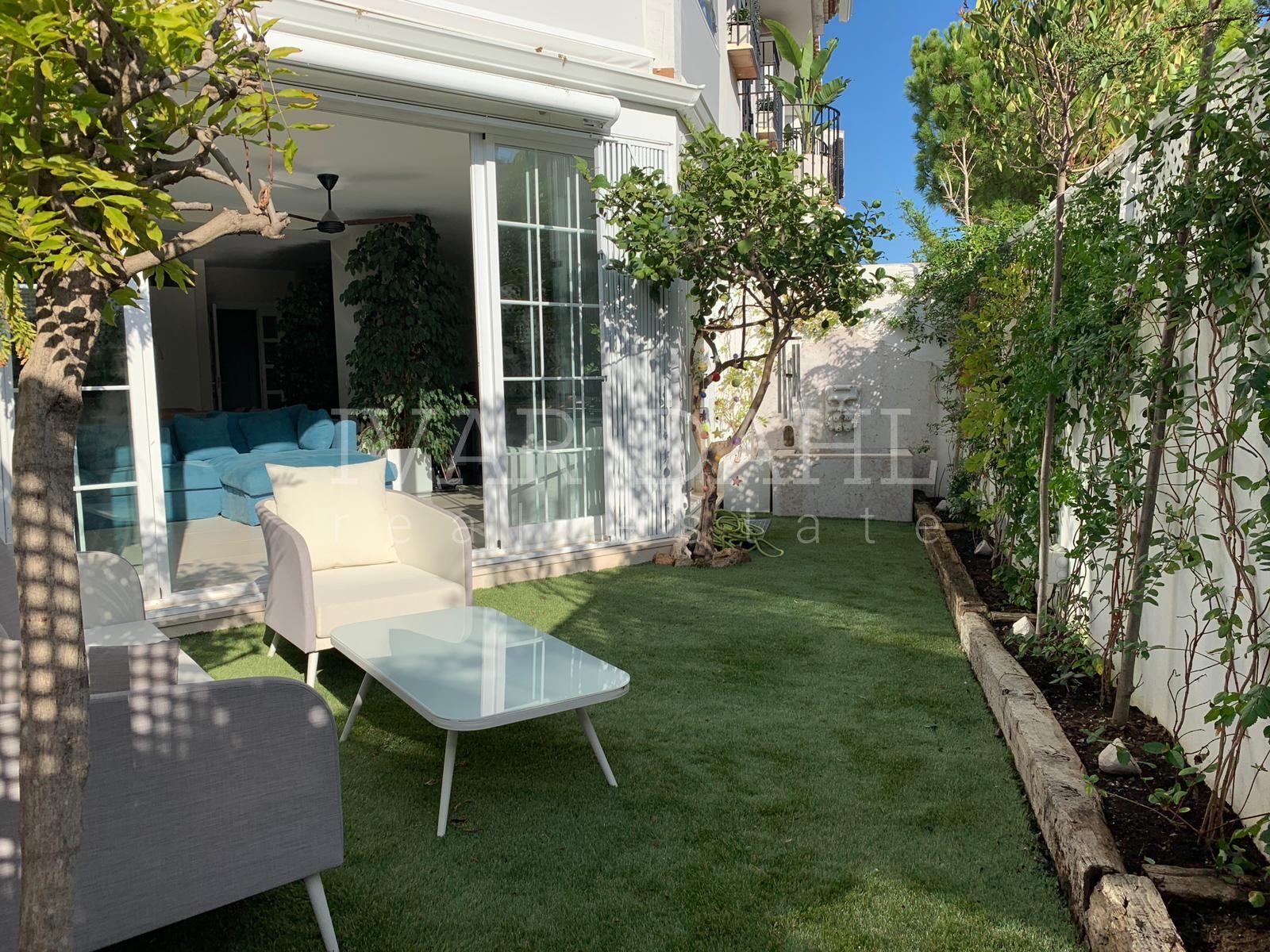 Eck reihenhaus an der goldenen meile von marbella wohngegend nag eles - Gartengestaltung doppelhaushalfte bilder ...