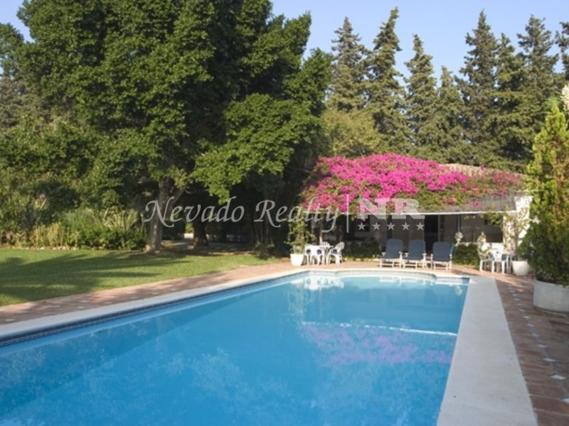 Villa on one floor situated in the heart of the Golden Mile.