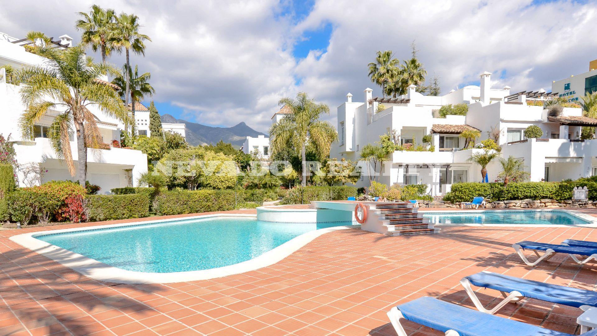 Apartment for sale in Alhambra del Mar, Marbella Golden Mile