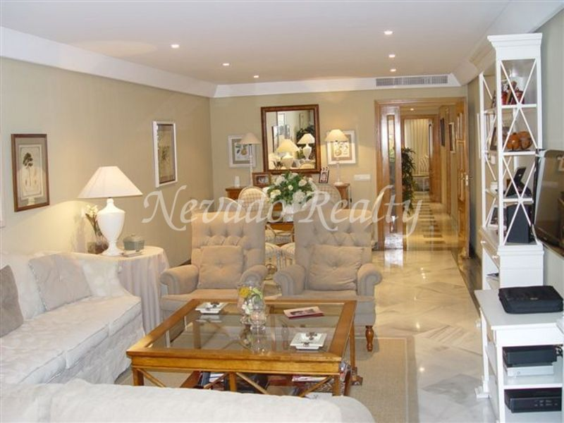Beautiful front-line beach apartment in Marbella