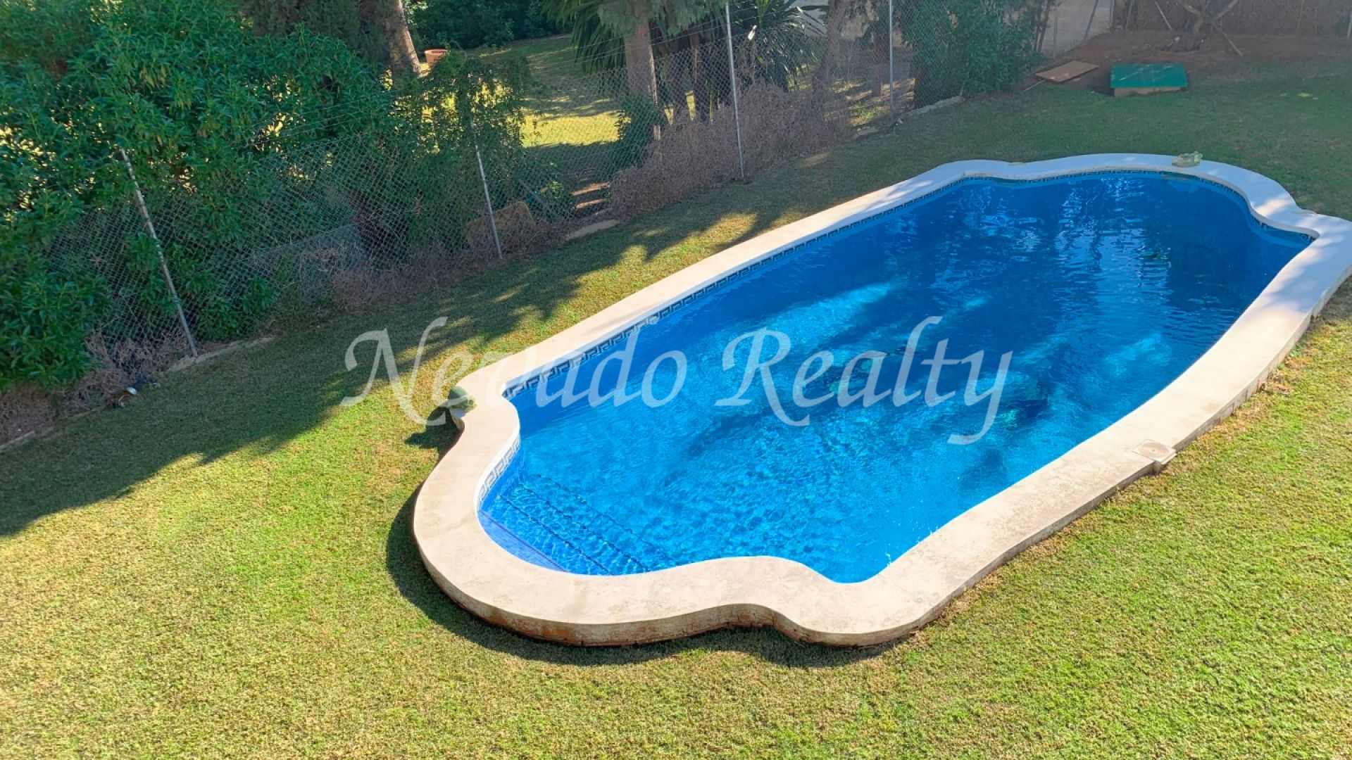 Villa on two floor situated at the east side of Marbella.