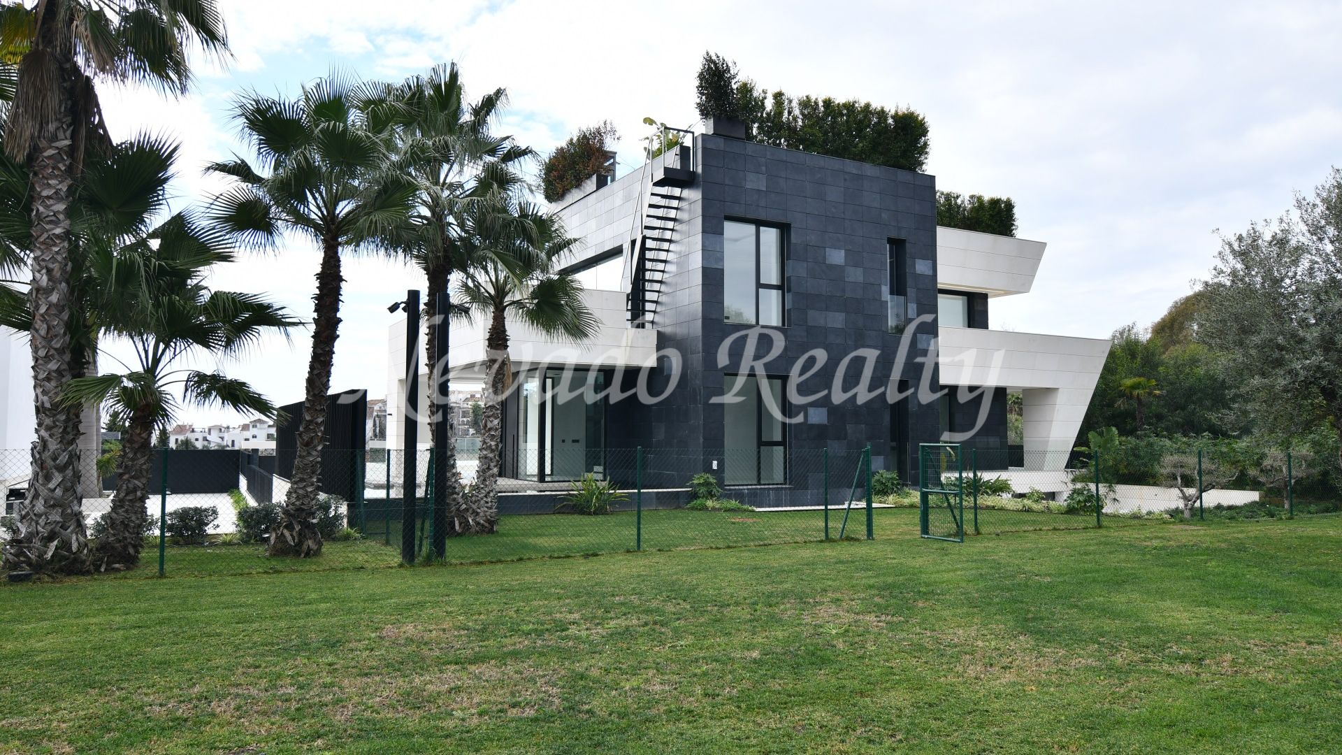 Magnificent brand new villa in the Golden Mile of Marbella