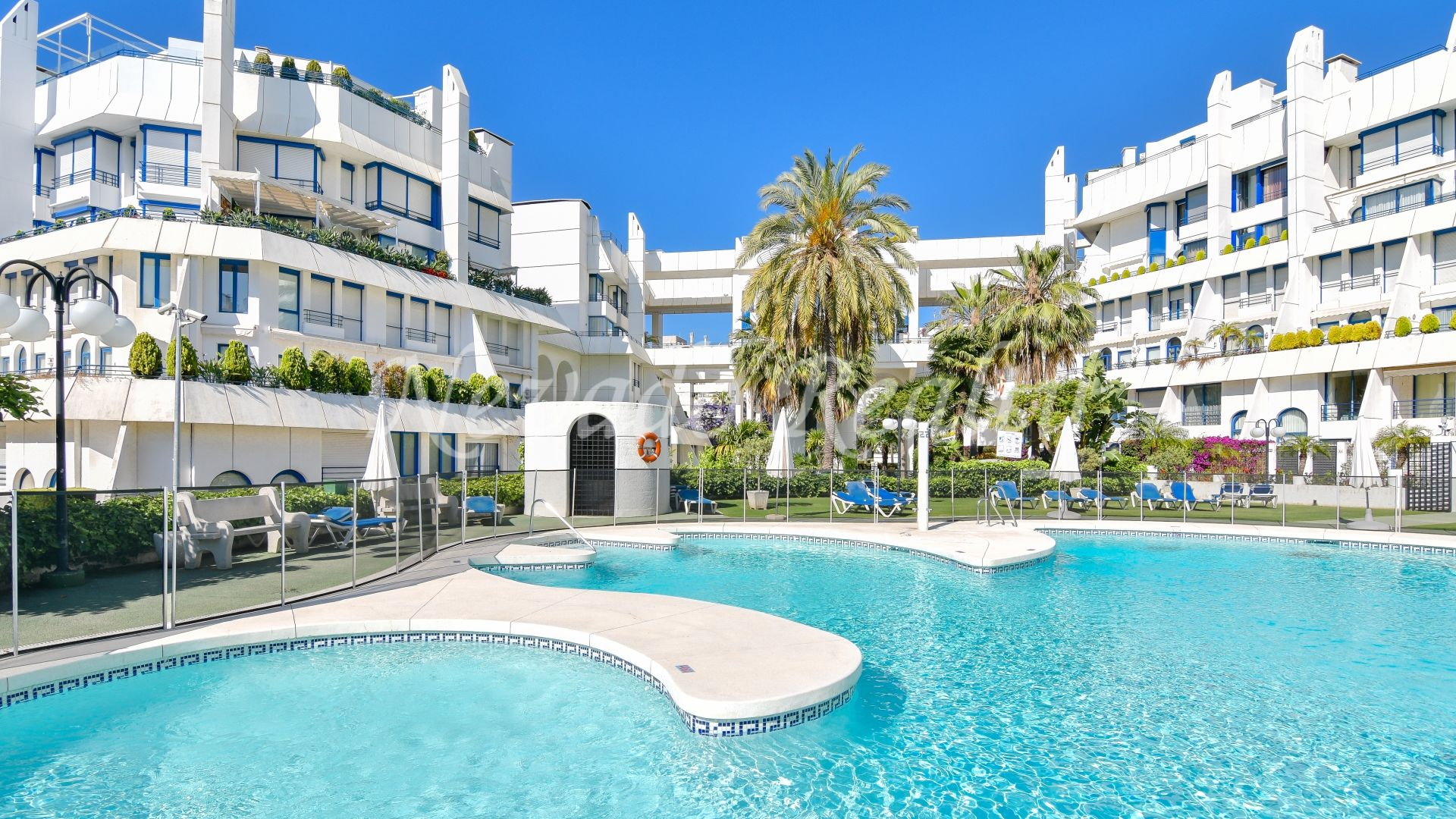 Duplex apartment in Marbella House, 2nd line beach and private pool