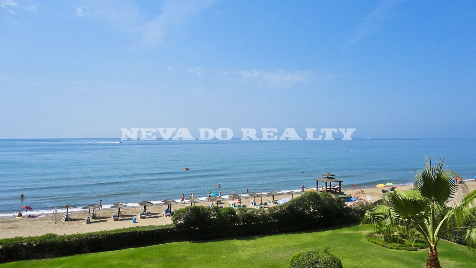 Spectacular luxury frontline beach penthouse in Marbella