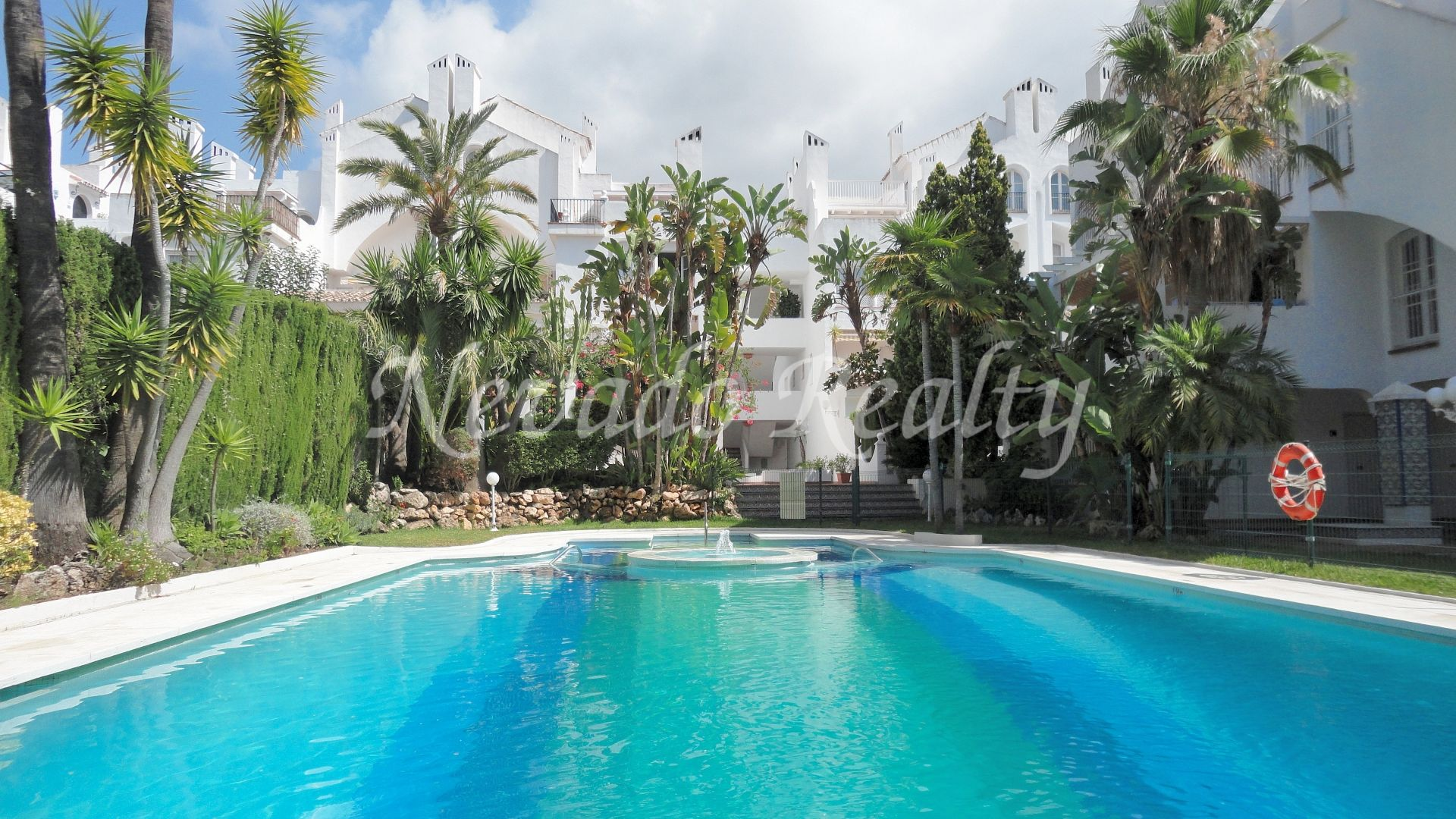 Spacious apartment for sale in gated community in Nagüeles