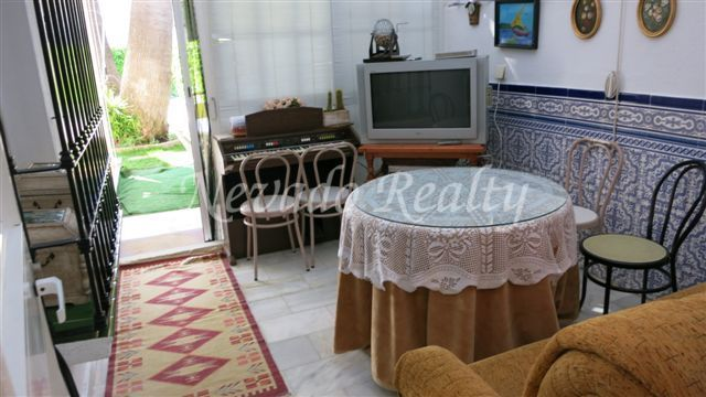 Family villa for sale in Huerta Belón