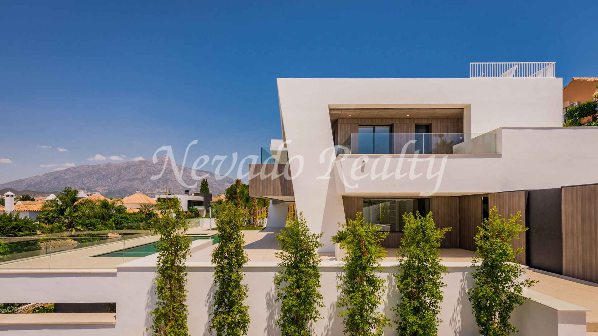 Fantastic brand new modern villa with views to Los Naranjos golf course