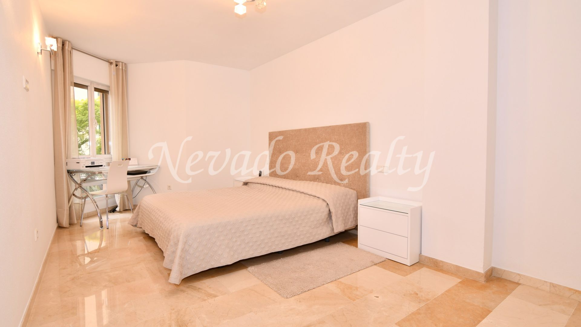 Fully refurbished apartment near the beach and all services