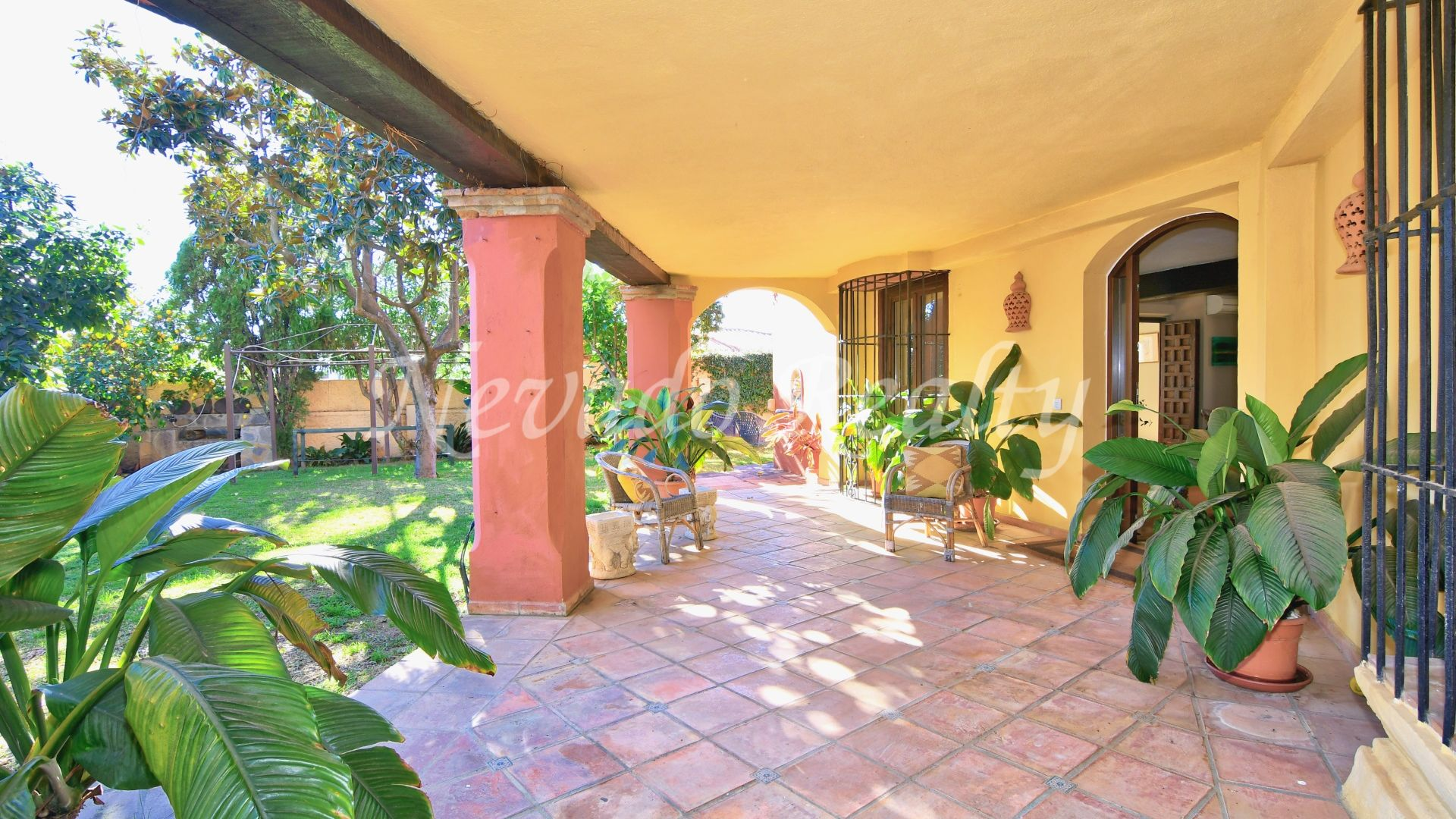 Charming villa for sale with private pool in the heart of Marbella