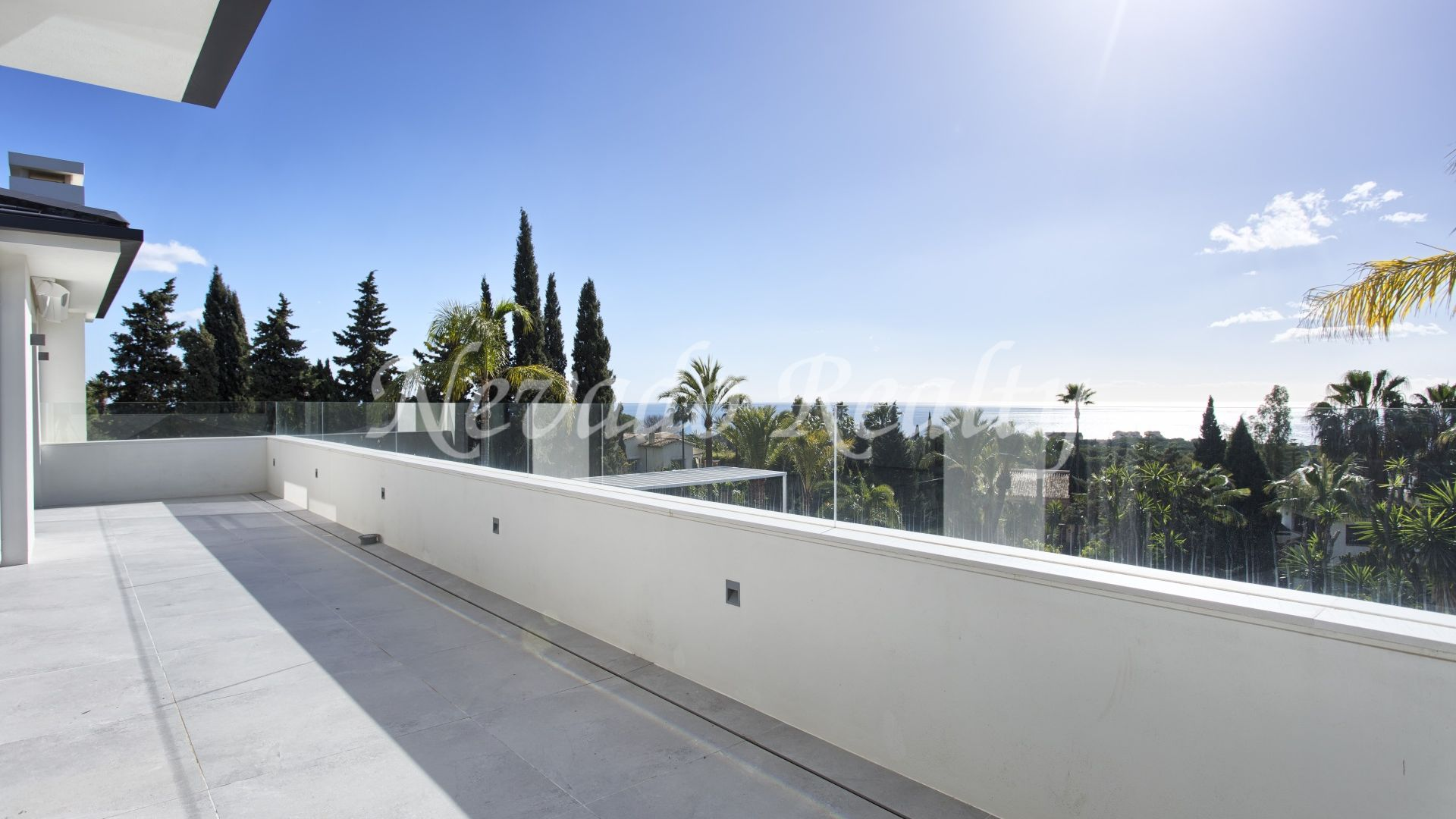 Elegant fully refurbished modern villa with sea views for sale in Marbella East