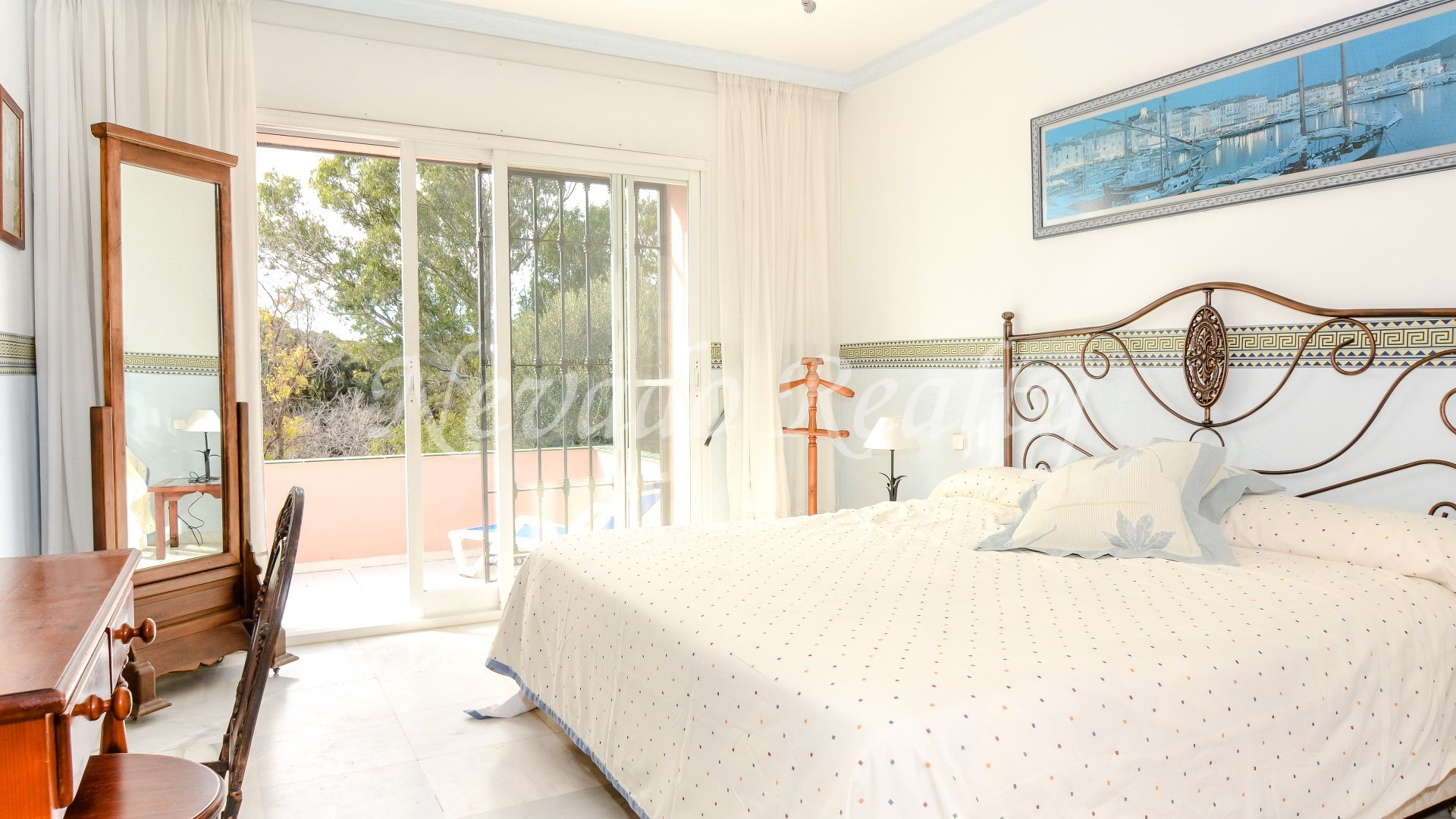 Special! Villa with private pool just steps from the historic center of Marbella