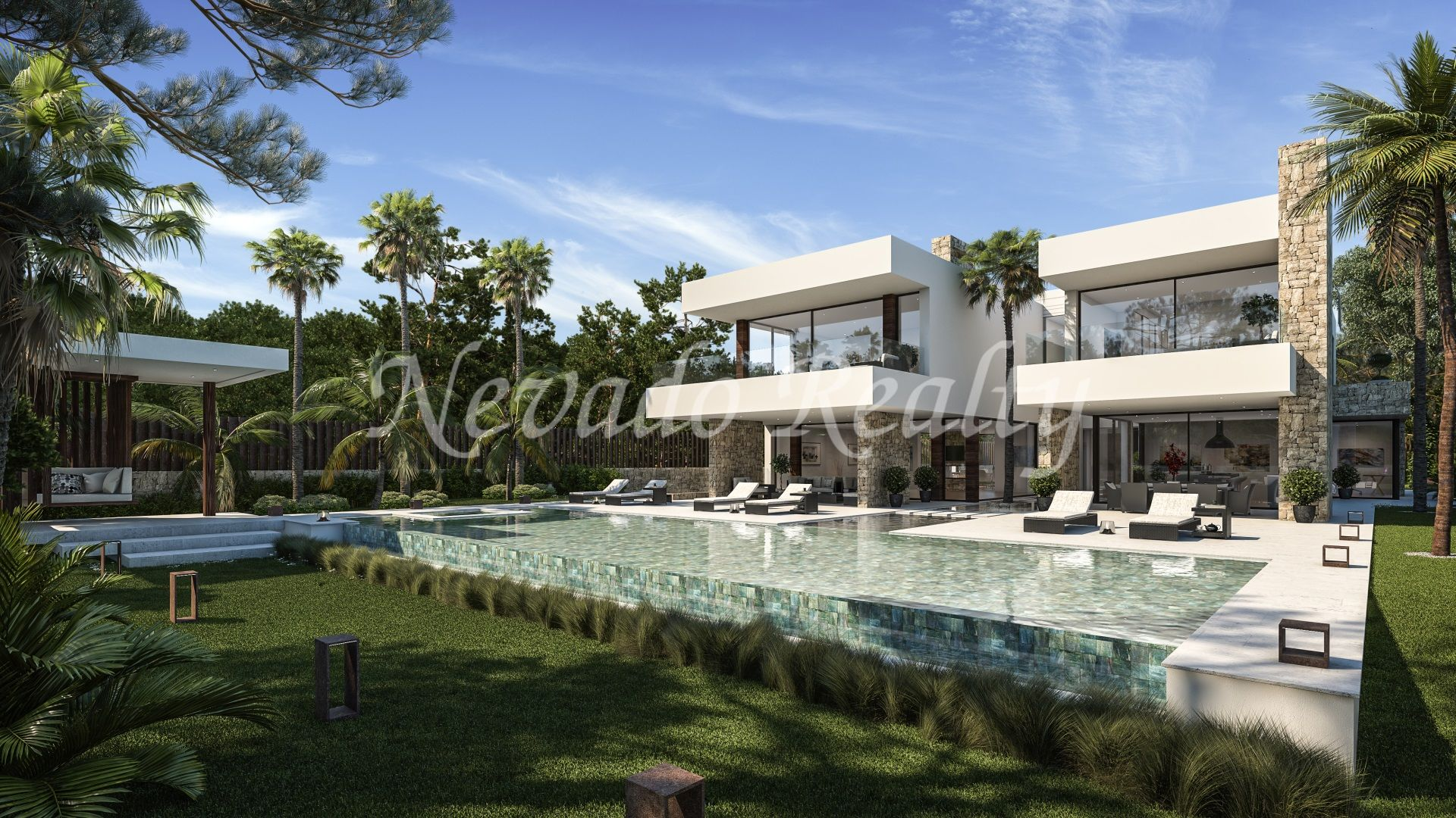 Villa on sale flat a few meters from the beach in Guadalmina Baja