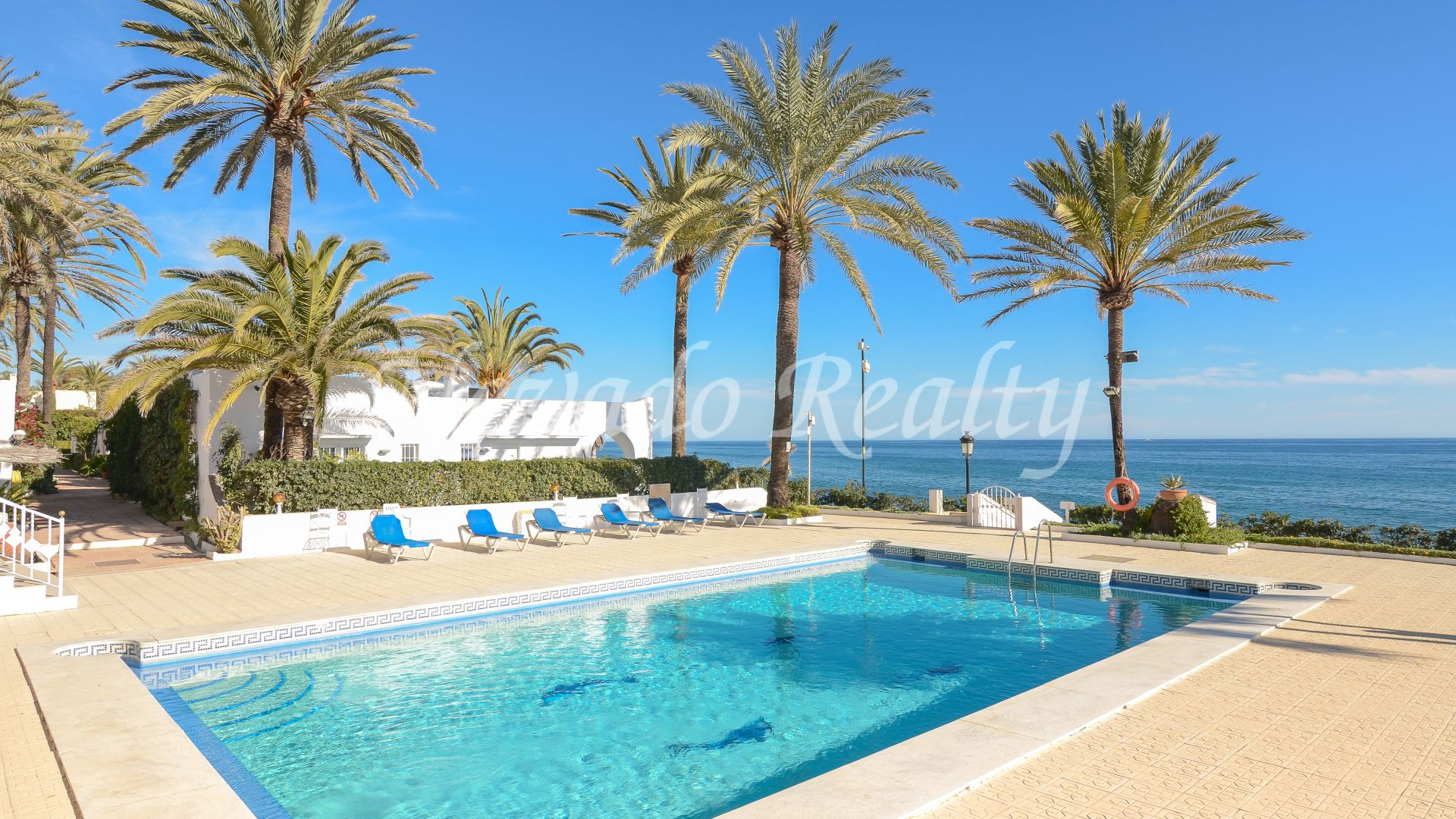 Special! Duplex apartment for sale within an exclusive complex on the first line of the beach
