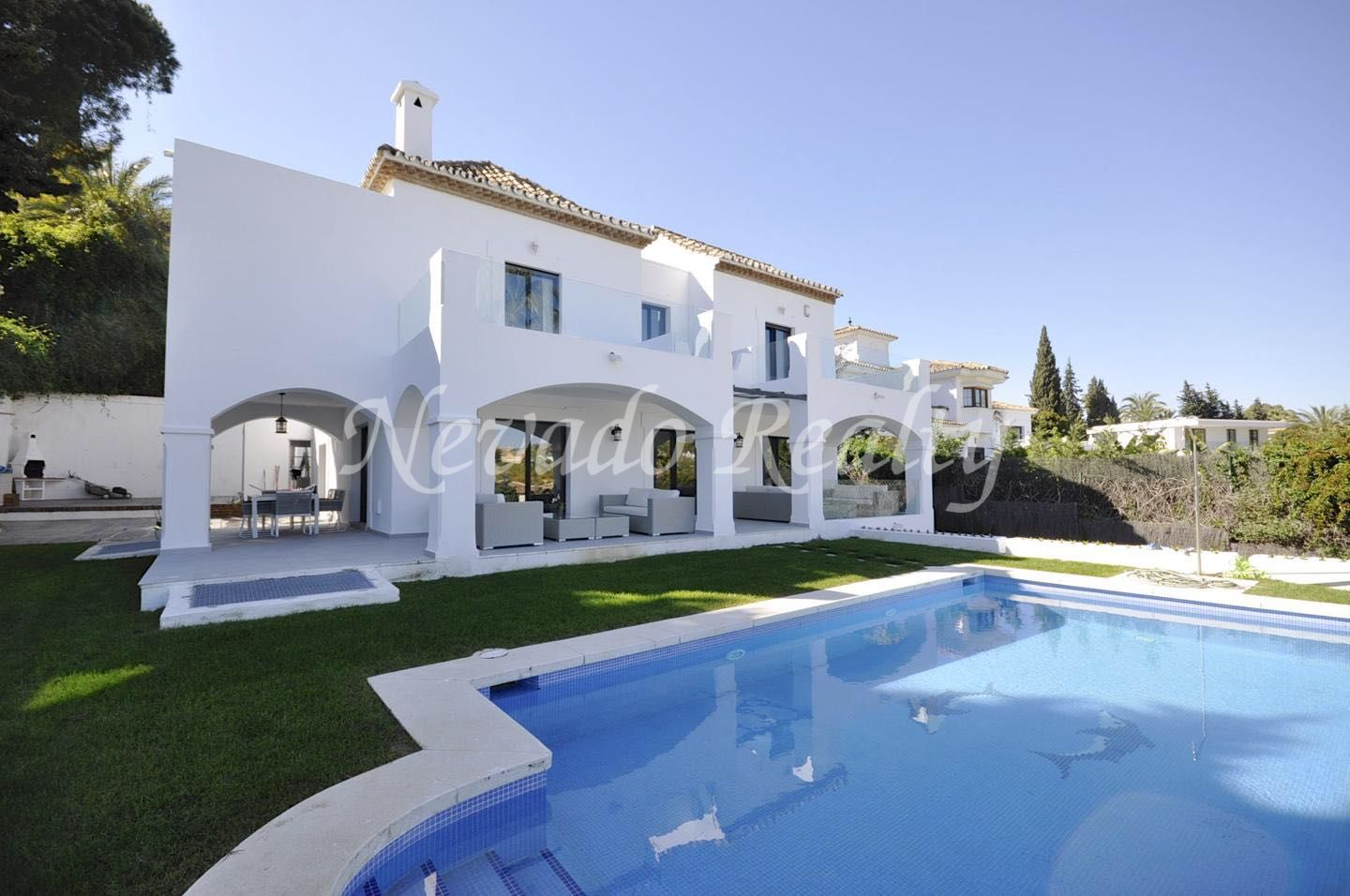 Villa for rent in the Centro Plaza area of Puerto Banús, Marbella
