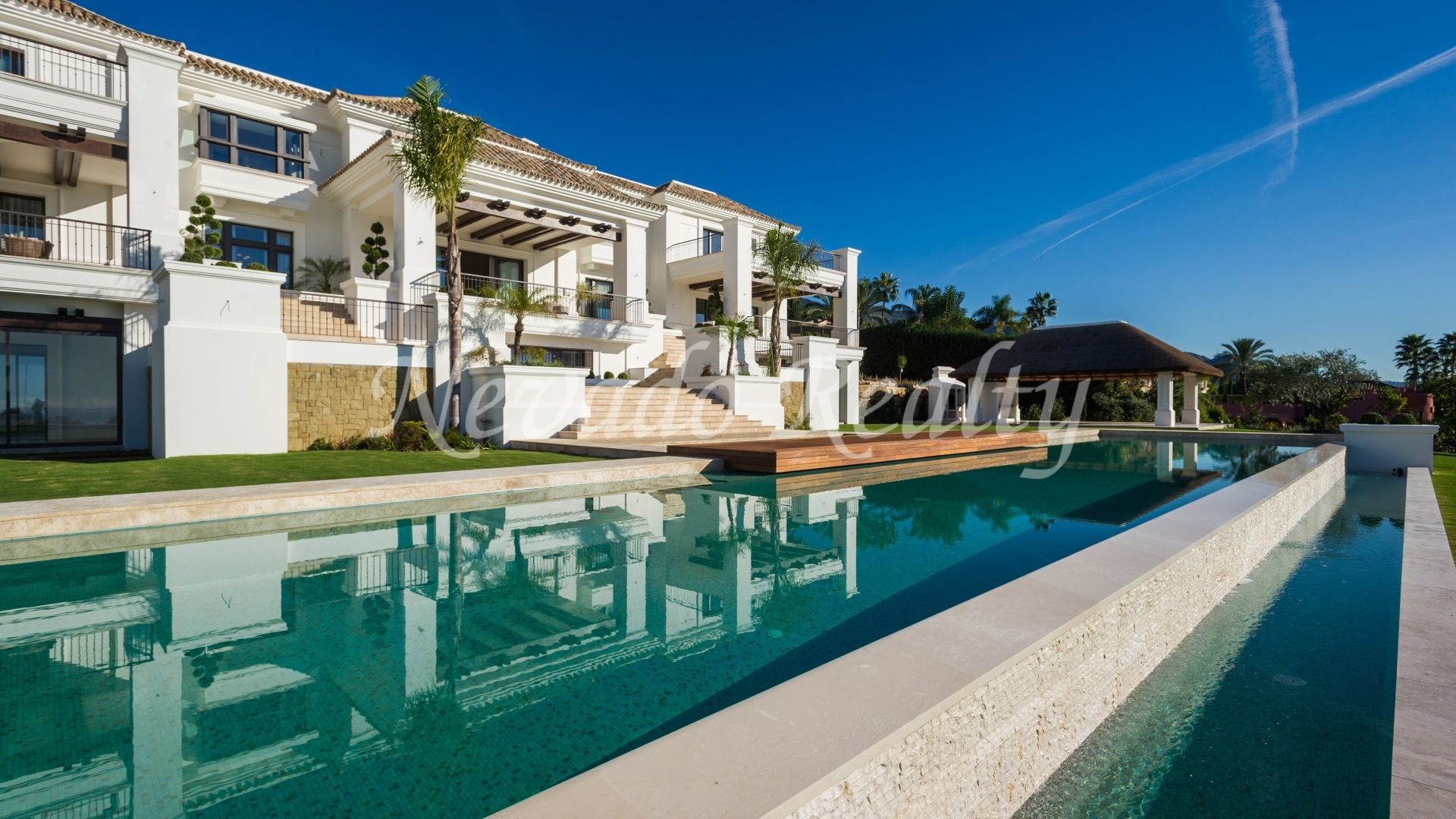 Impressive luxury villa in the best area in Marbella Golden Mile