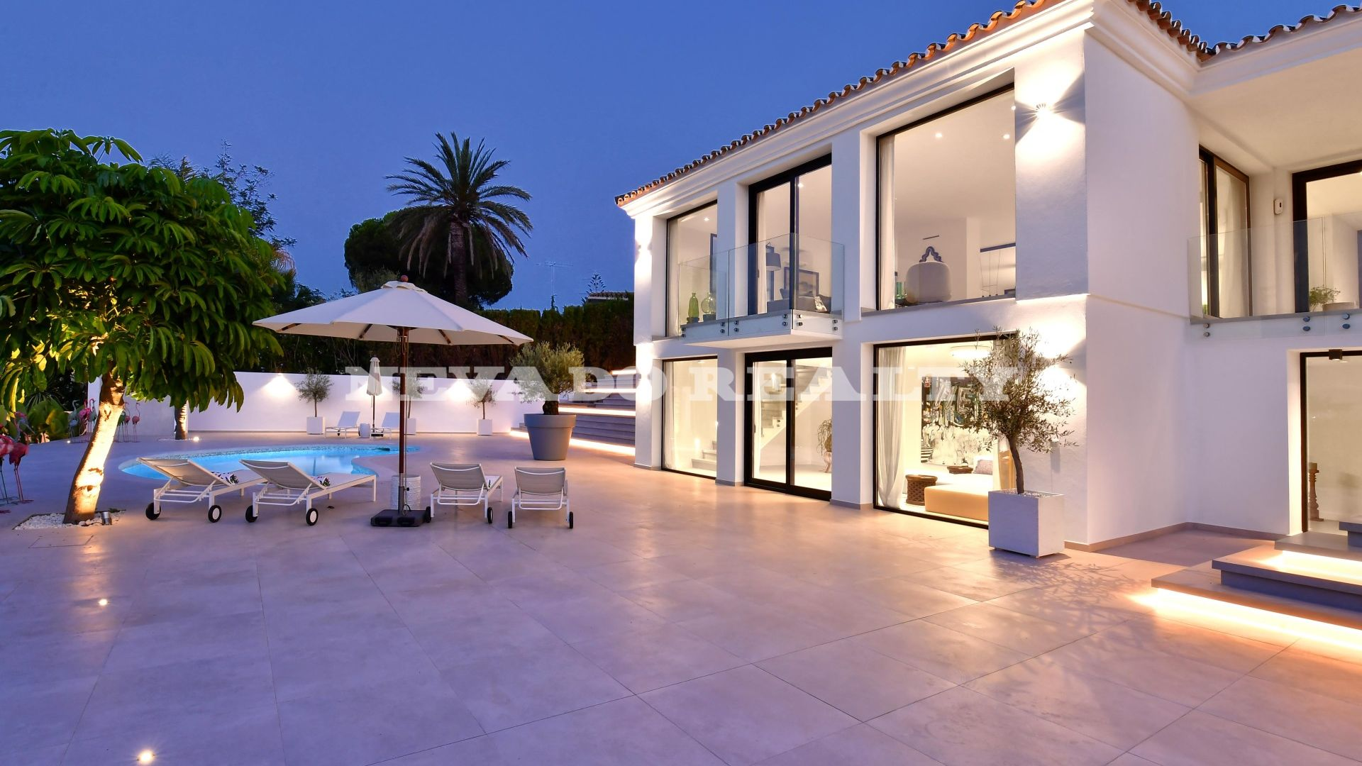 Spectacular villa completely renovated in the Golf Valley