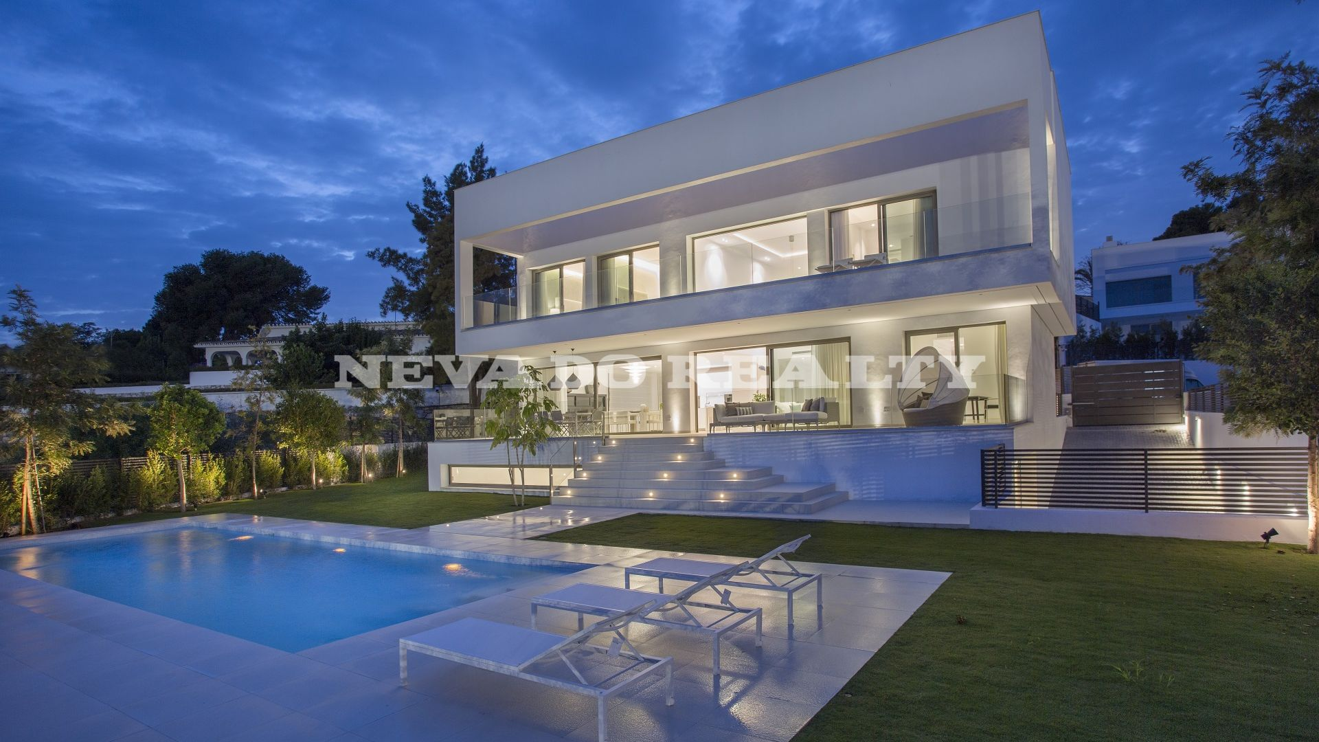 Brand new villa for sale near Puerto Banús and Marbella