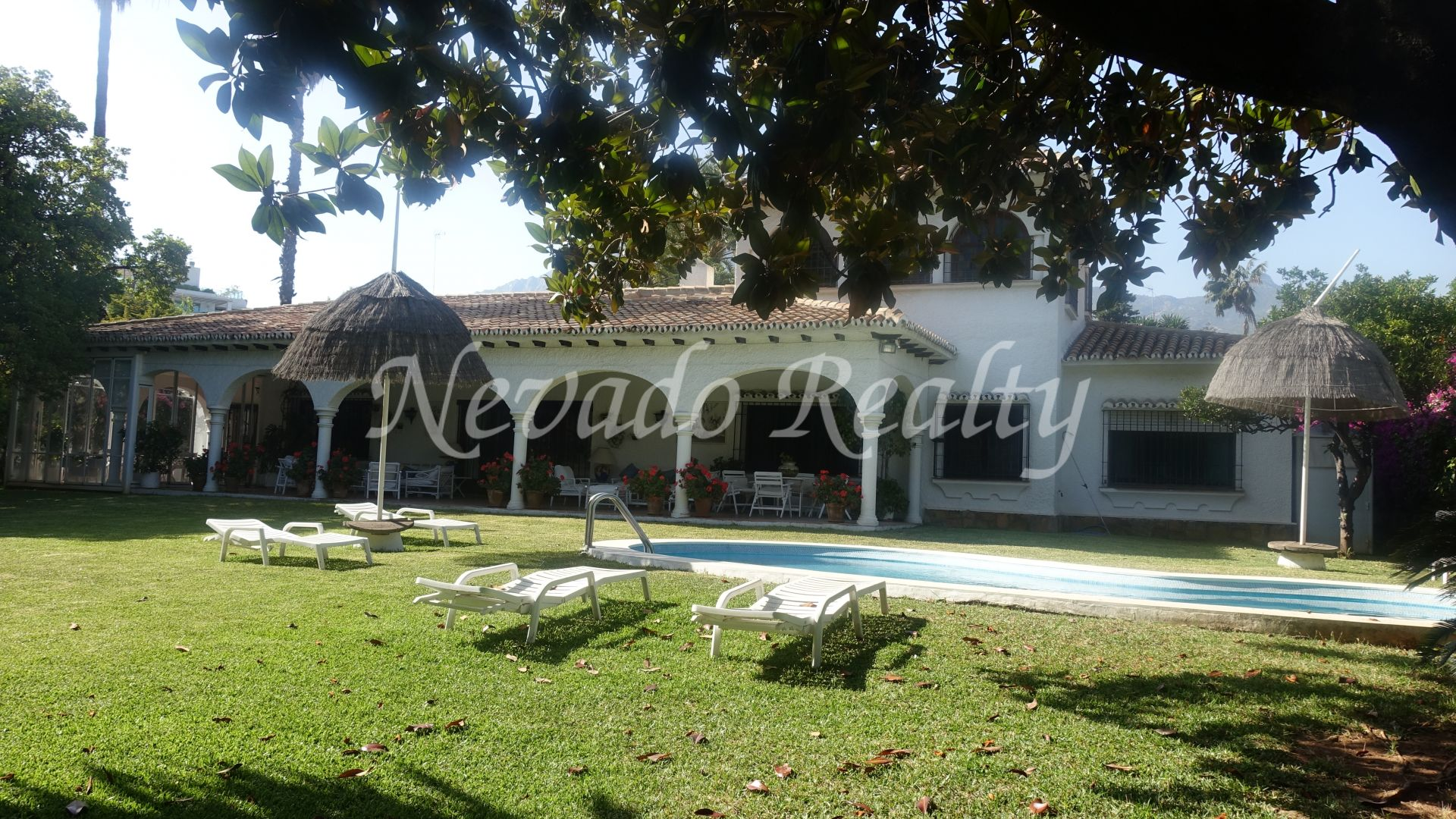 Villa to reform on plot with privileged location near beach and center Marbella