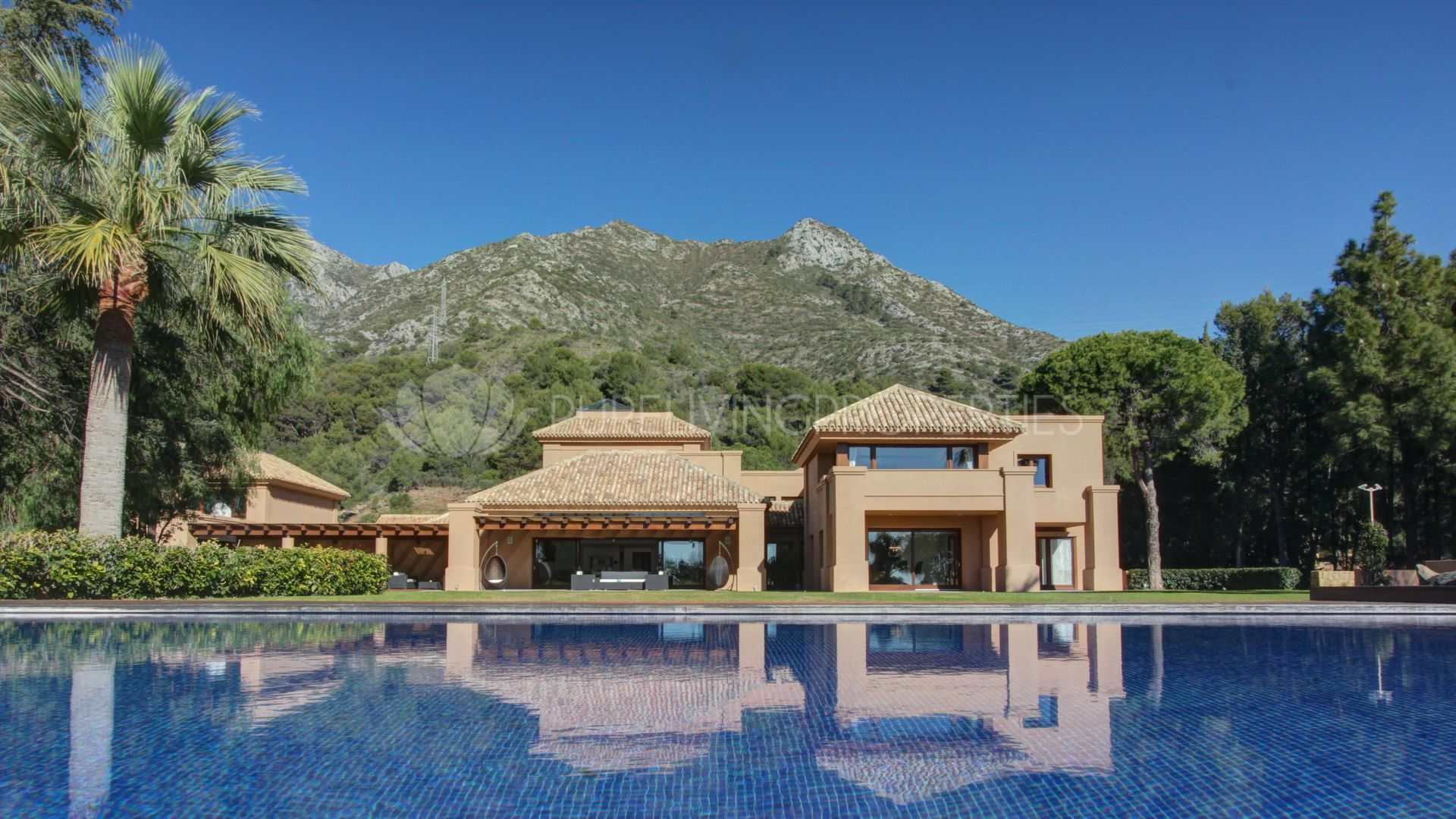 Astonishing luxury villa design by Marco Sanz in Cascada de Camojan