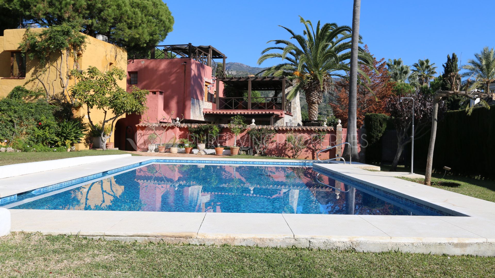 Villas and apartments for rent in Marbella Golden Mile
