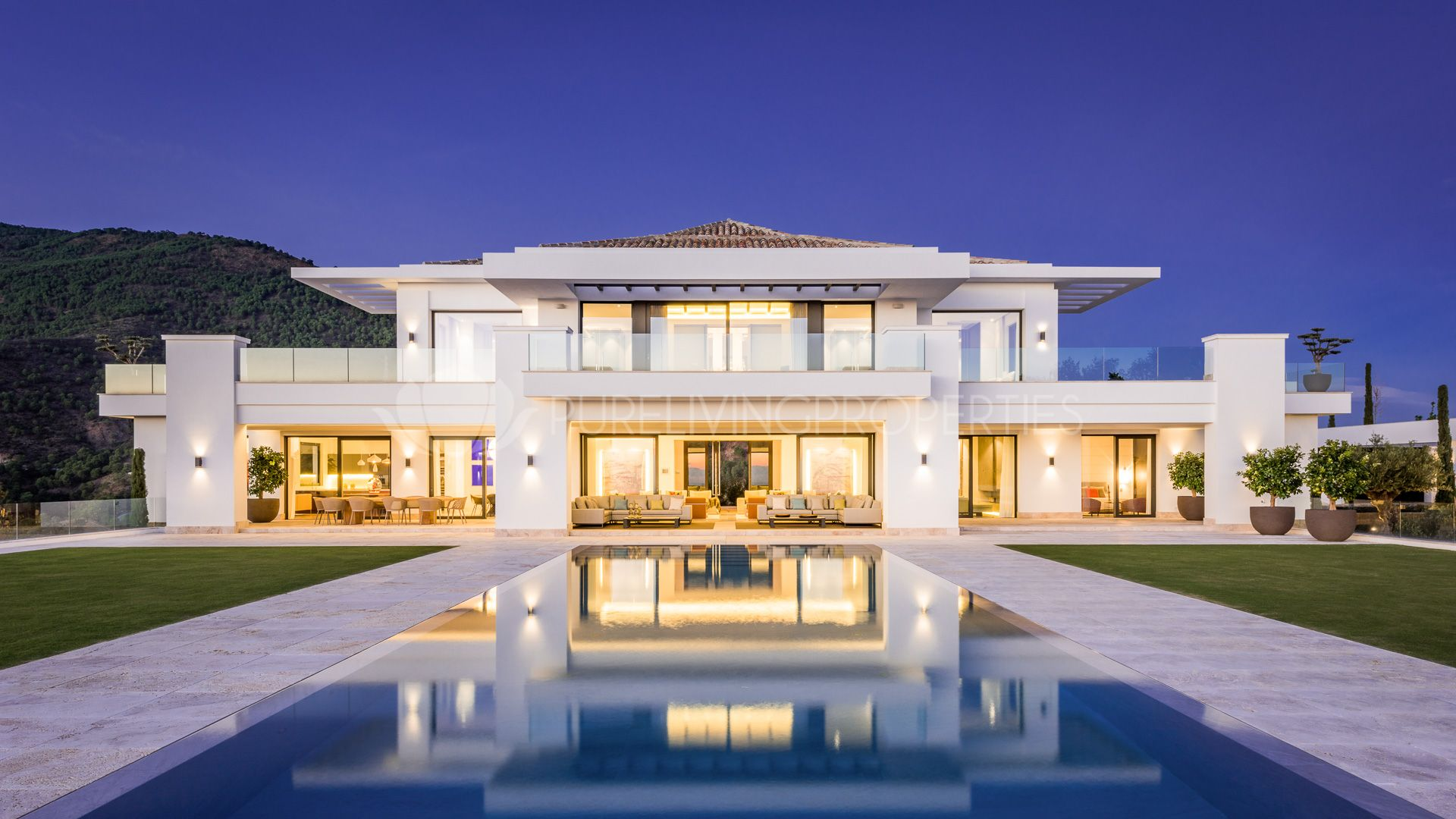 Properties for sale in marbella real estate in puente romano - Luxury homes marbella ...