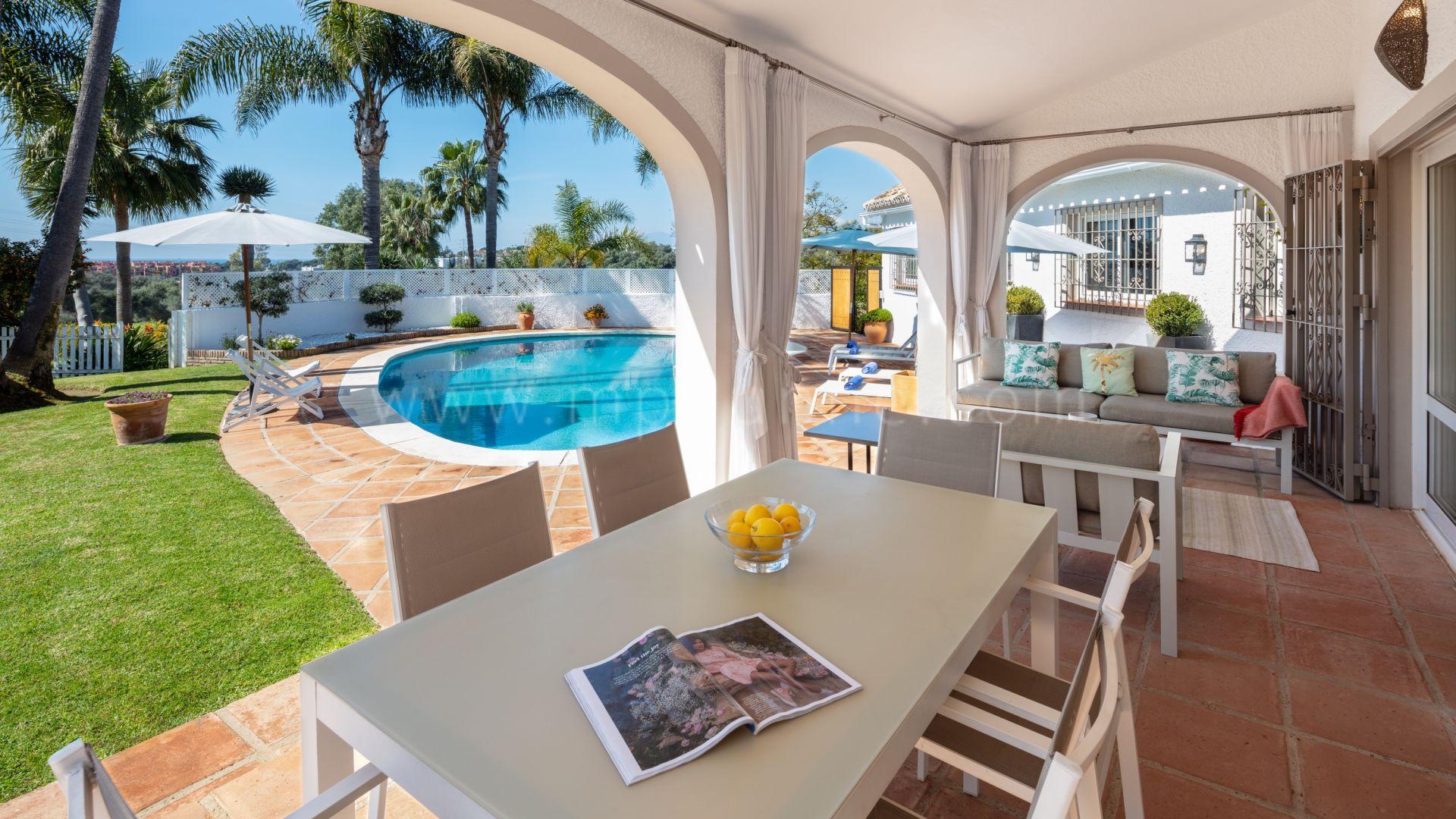 Schöne Familienvilla mit Meer  und Bergblick in El Rosario