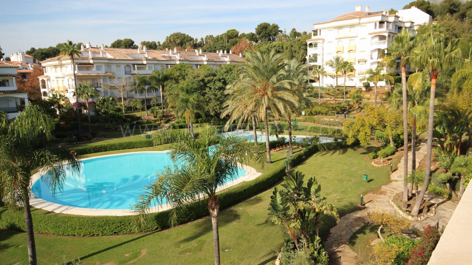 Tico d plex situado en una zona privilegiada en la milla - Atico en marbella ...
