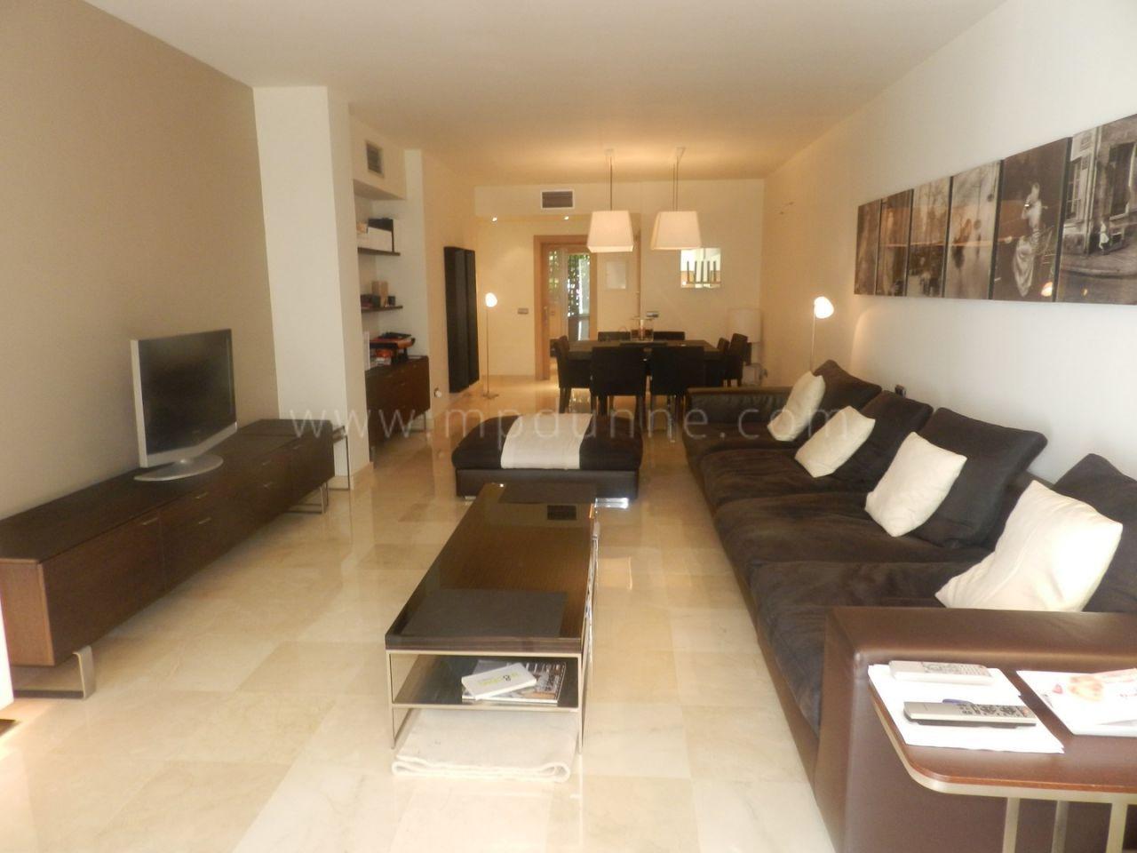 bel appartement enti rement r nov vendre puerto banus. Black Bedroom Furniture Sets. Home Design Ideas