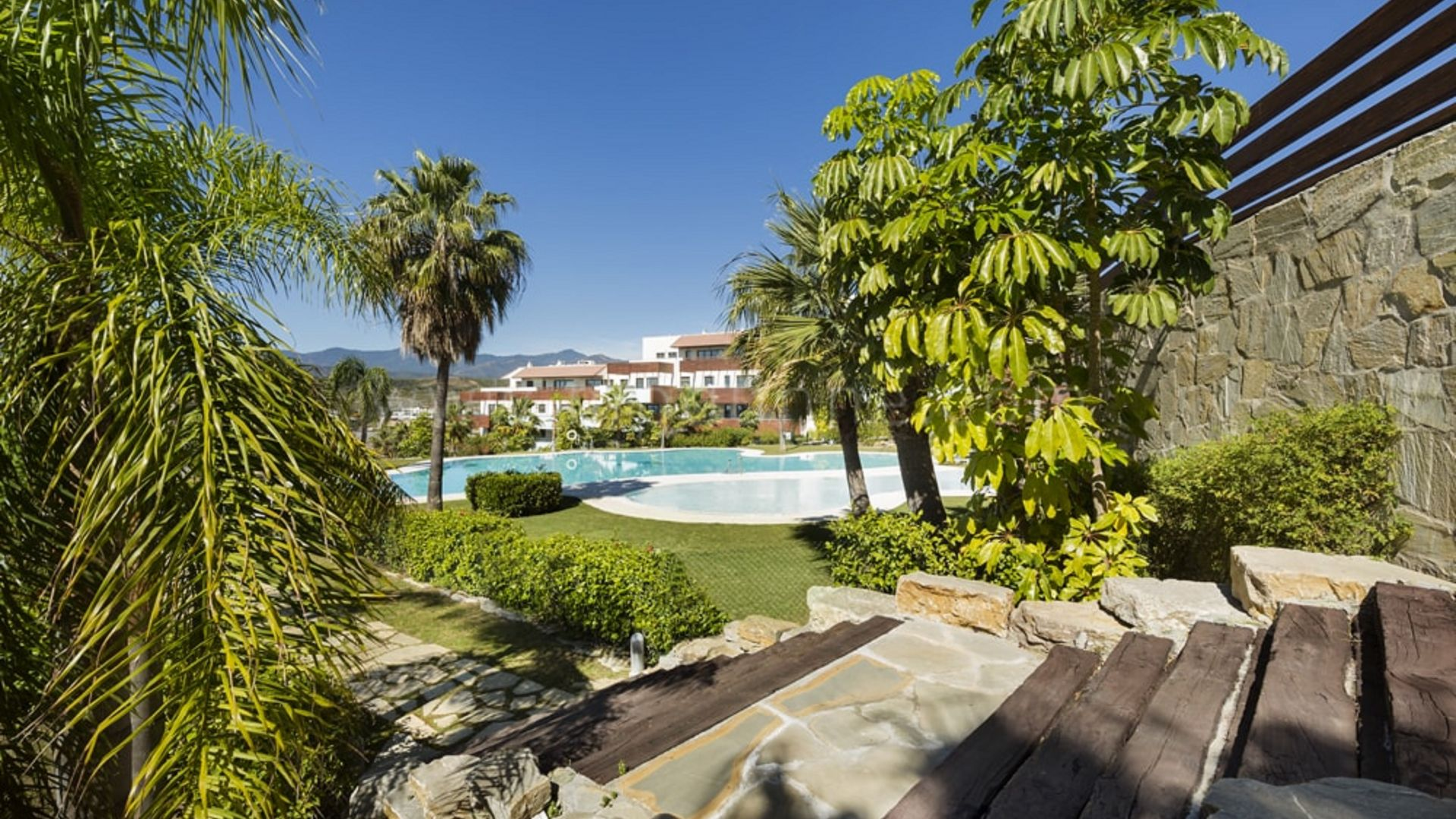 Penthouse for sale in Los Flamingos Golf, Benahavis