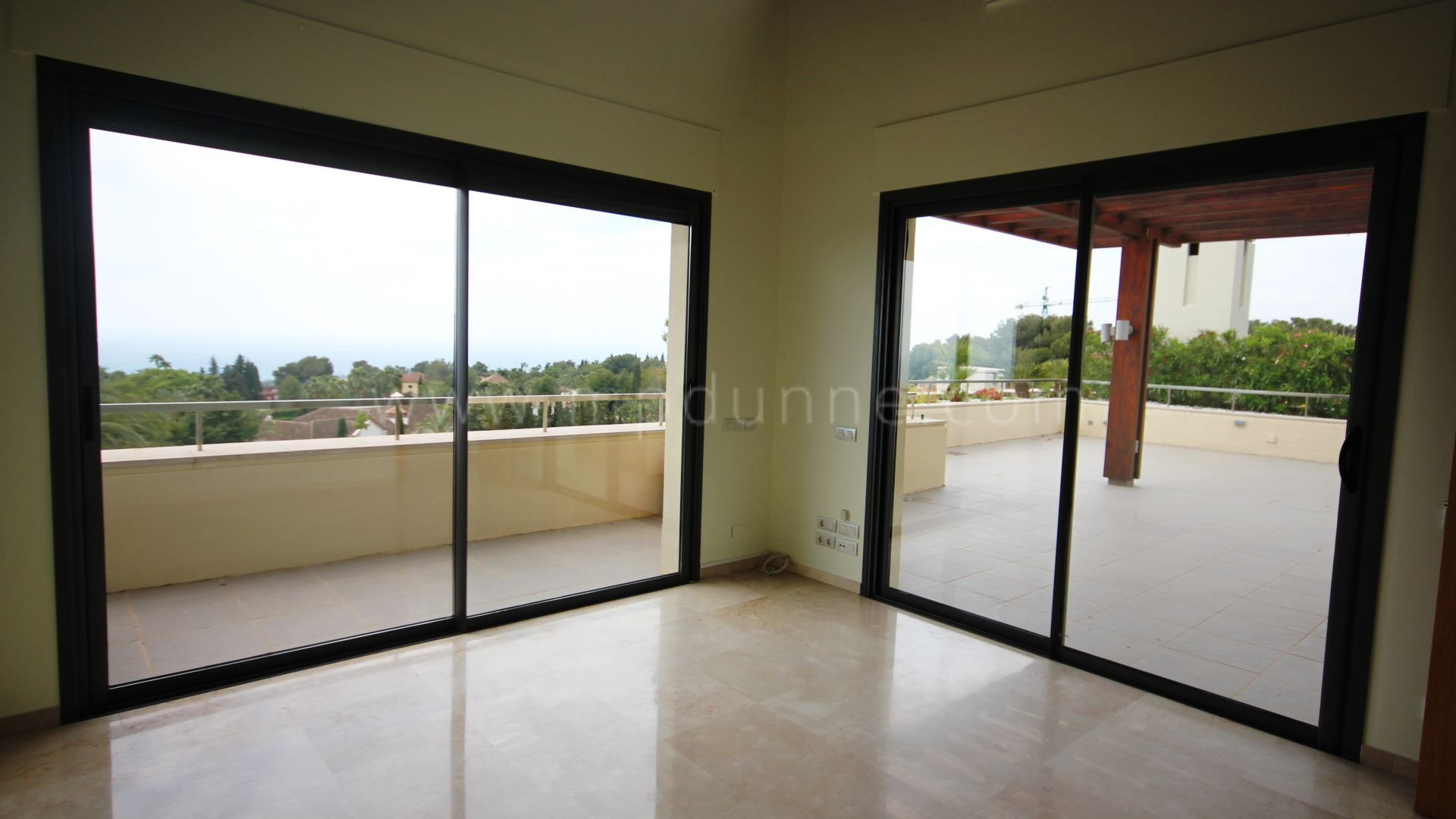 Penthouse for rent in Imara, Marbella Golden Mile