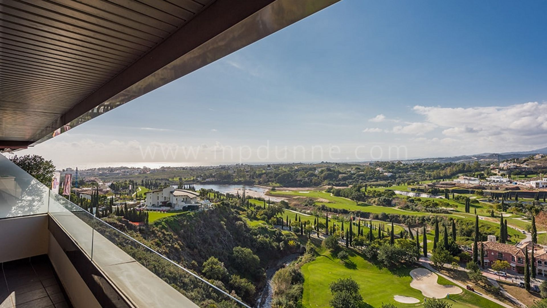 Hoyo 19. Residencial Hoyo 19, Los Flamingos golf, Contemporary apartments and penthouses - Gallery