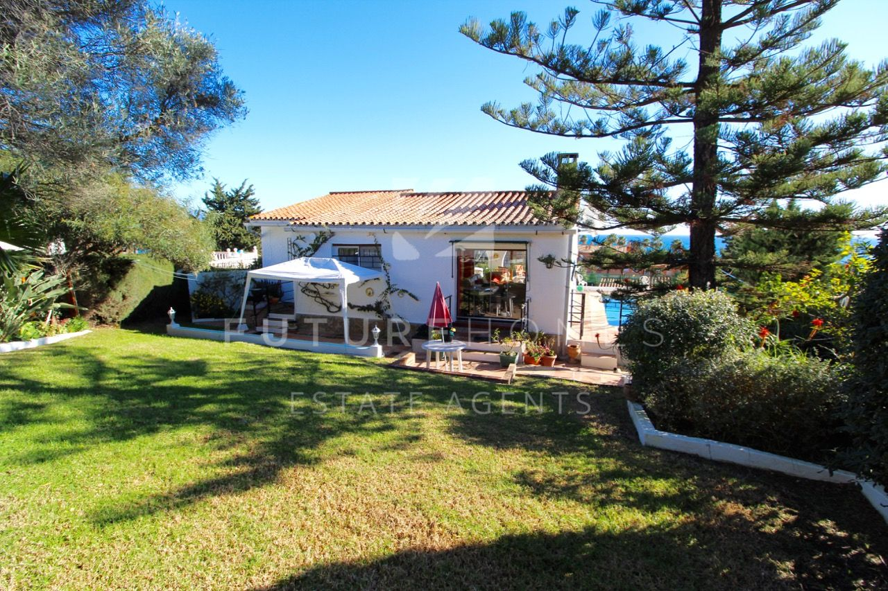 Detached villa with great sea views located only a ten minute drive from Estepona port and town centre.