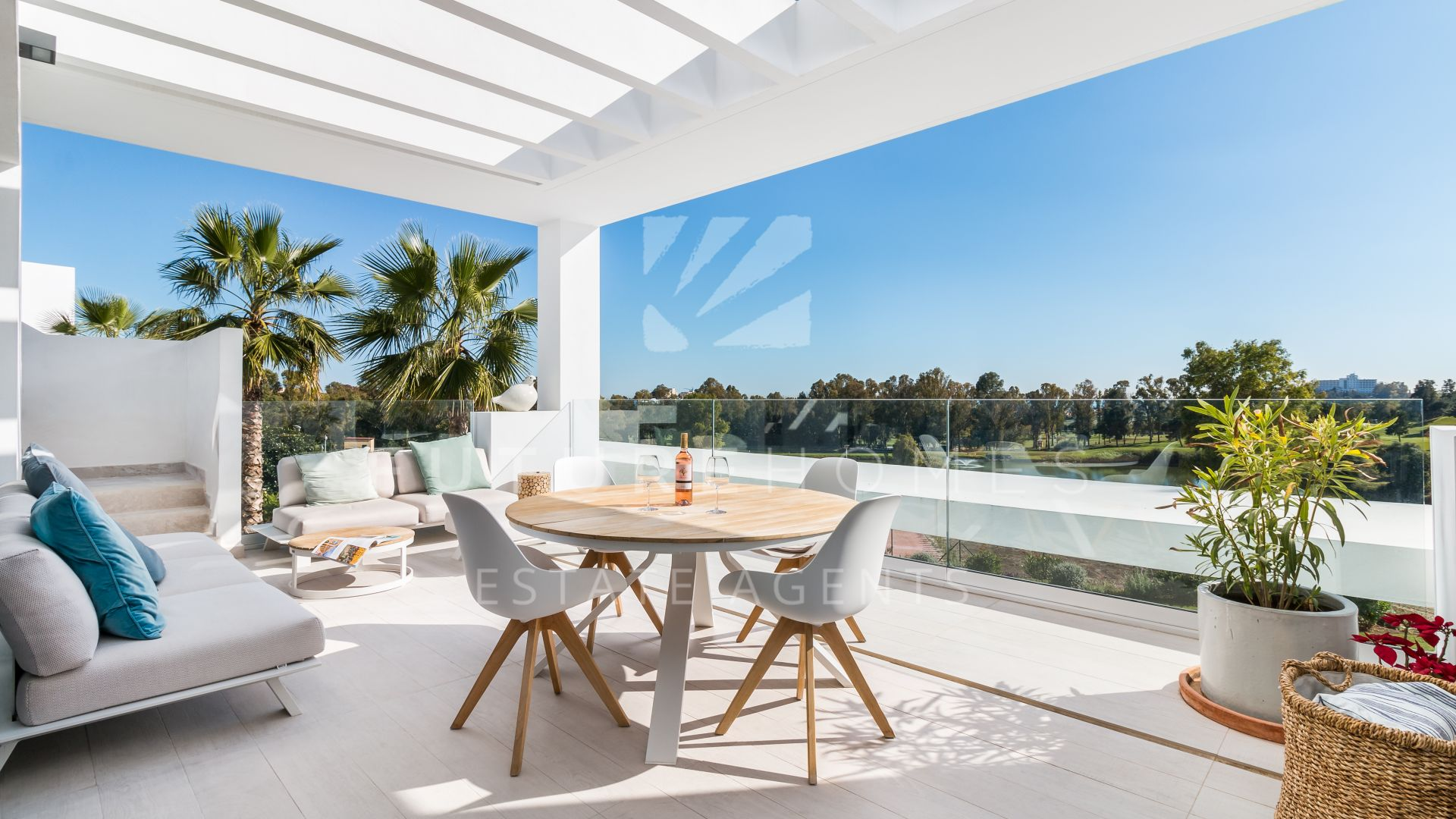 Absolute frontline golf penthouse for sale in Atalaya Hills
