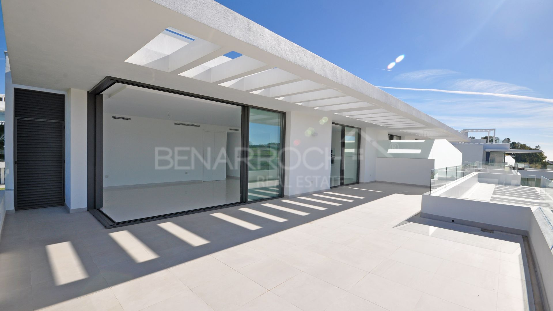 Contemporary Penthouse with views in Cataleya phase 1, Estepona
