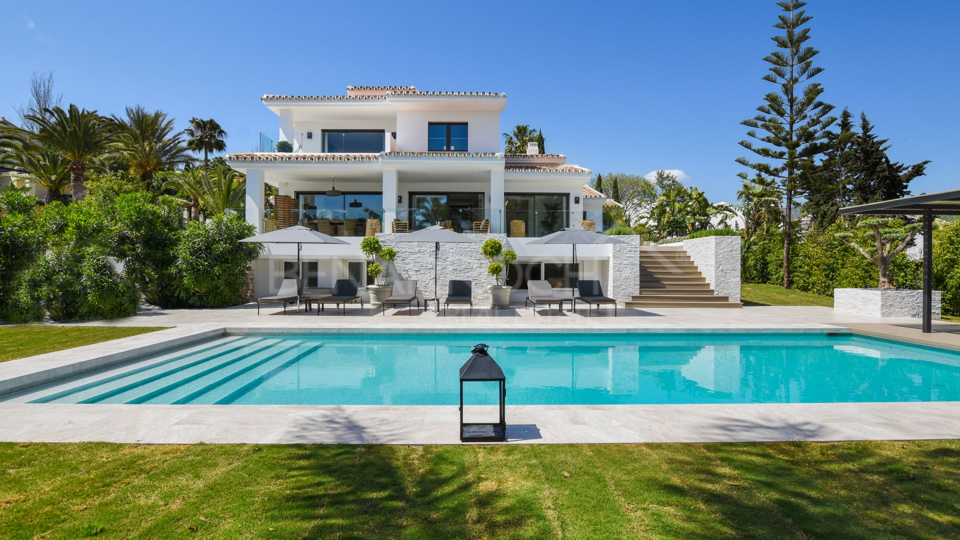 Sophisticated contemporary style villa in Elvira, Marbella East