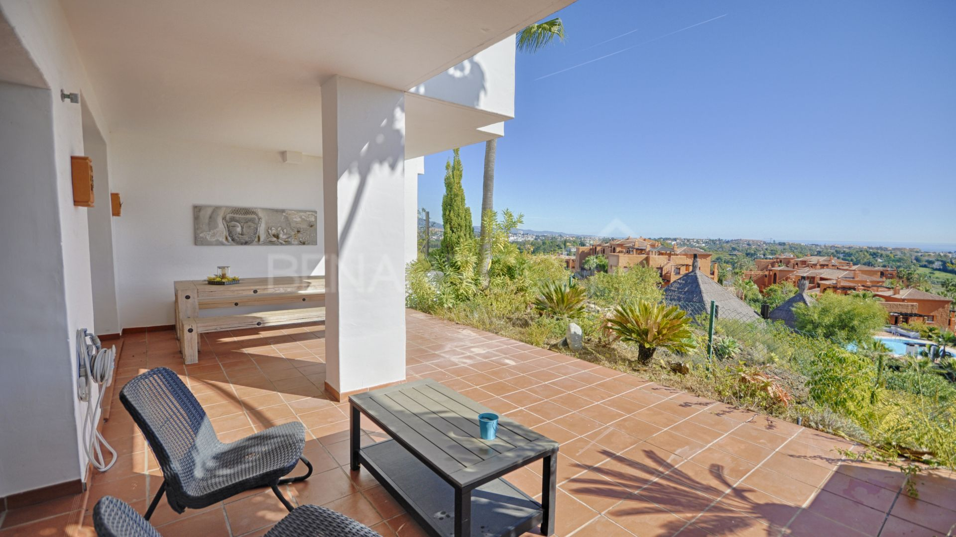 Apartment with views in Las Lomas del Marqués, Benahavis.