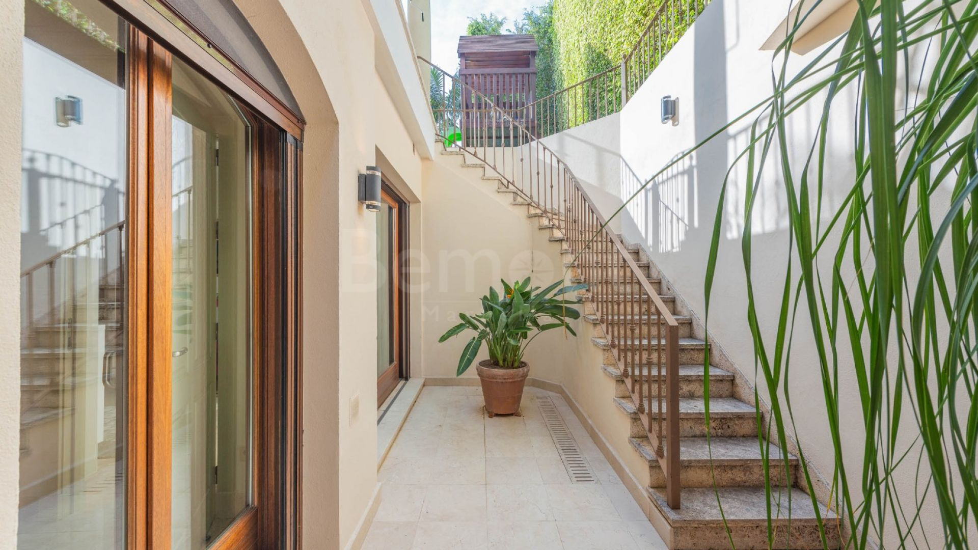 Villa in Casablanca, Marbella Golden Mile
