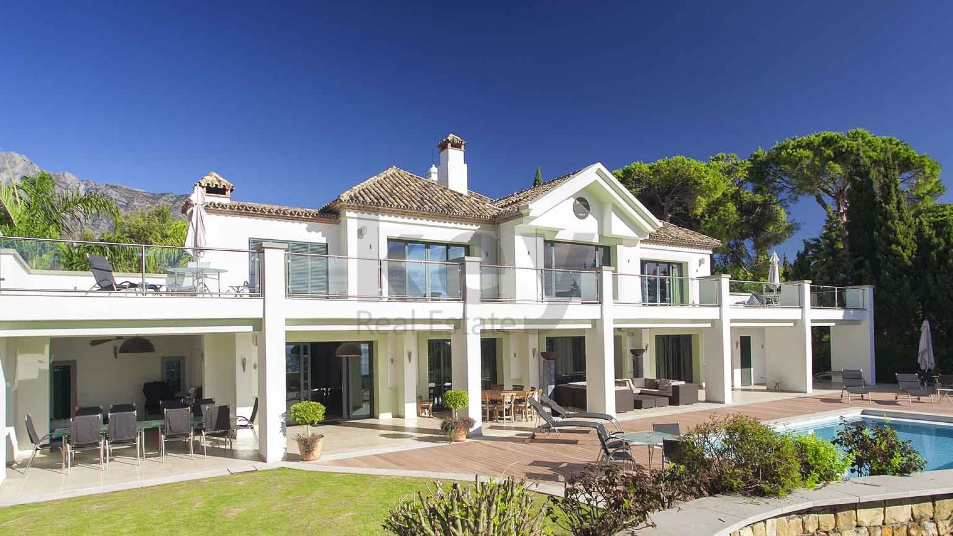 Spectacular villa with panoramic sea views for sale, Marbella Golden Mile