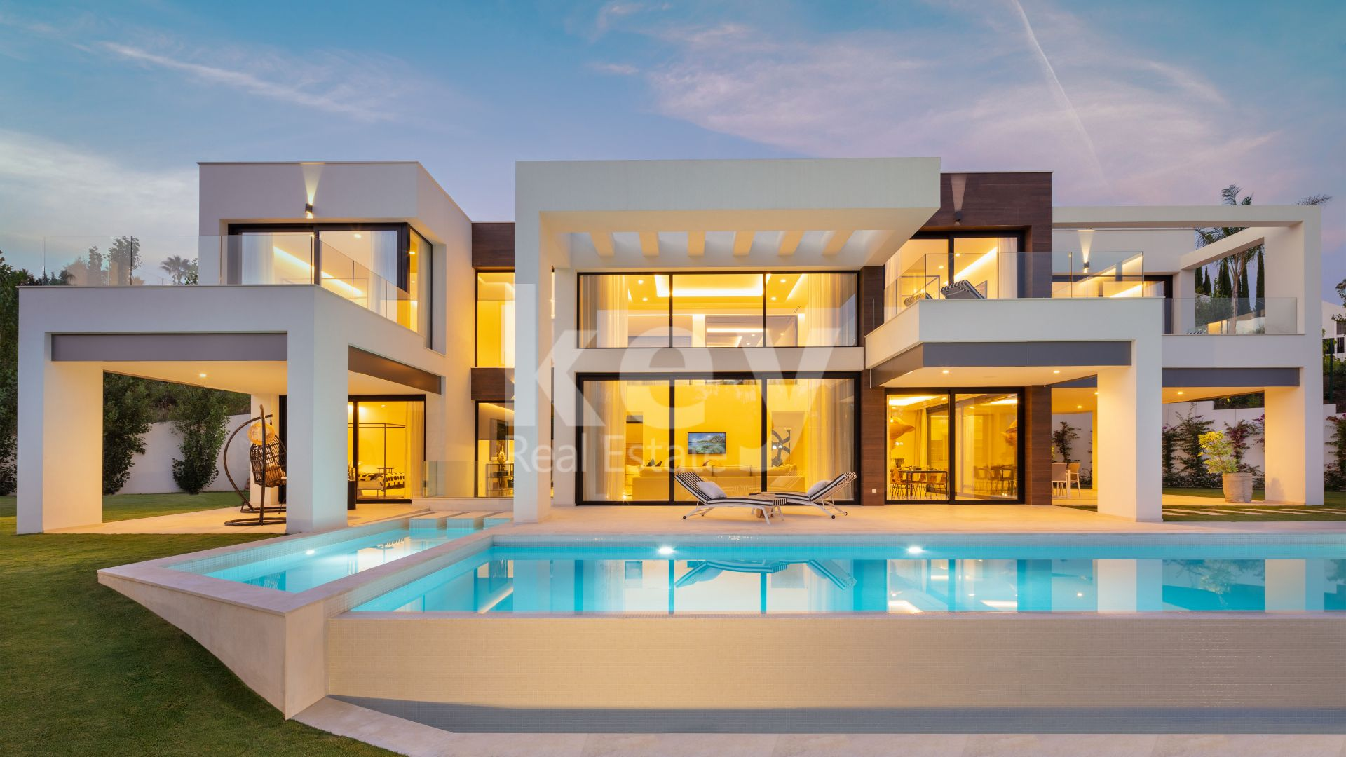Brand new luxury and modern villa for sale in Nueva Andalucía, Marbella