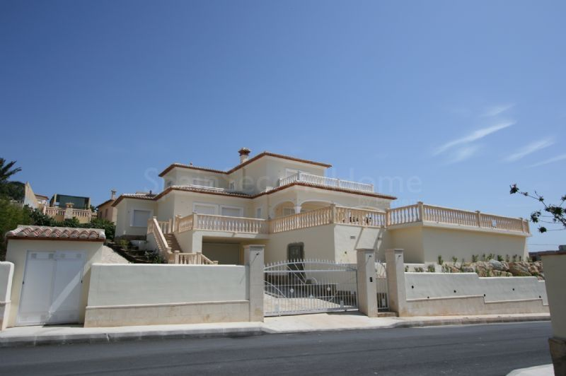 Villa for sale in Tesoro Park, Jávea