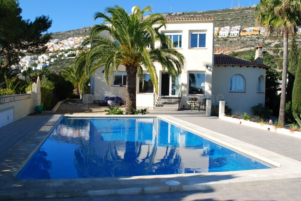 Villa for sale in Cumbre del Sol, Benitachell