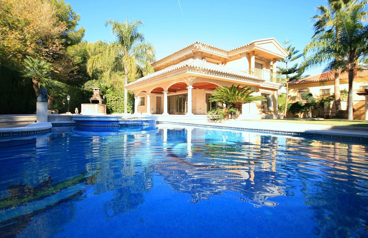 Detached Villa for sale in Mijas