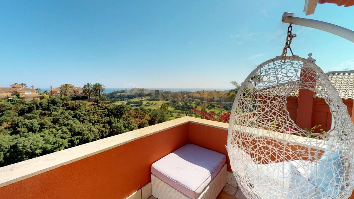Town House for sale in Santa Clara, Marbella East