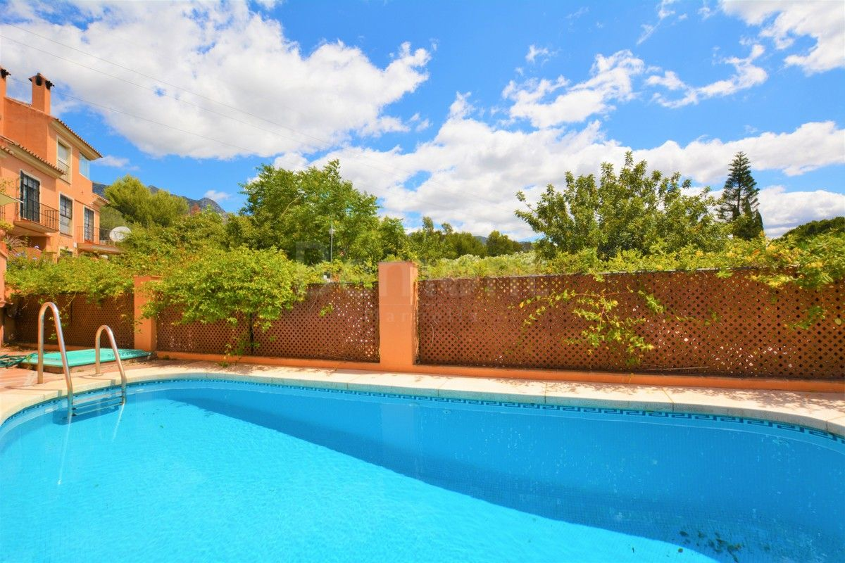 Town House for sale in Marbella Golden Mile